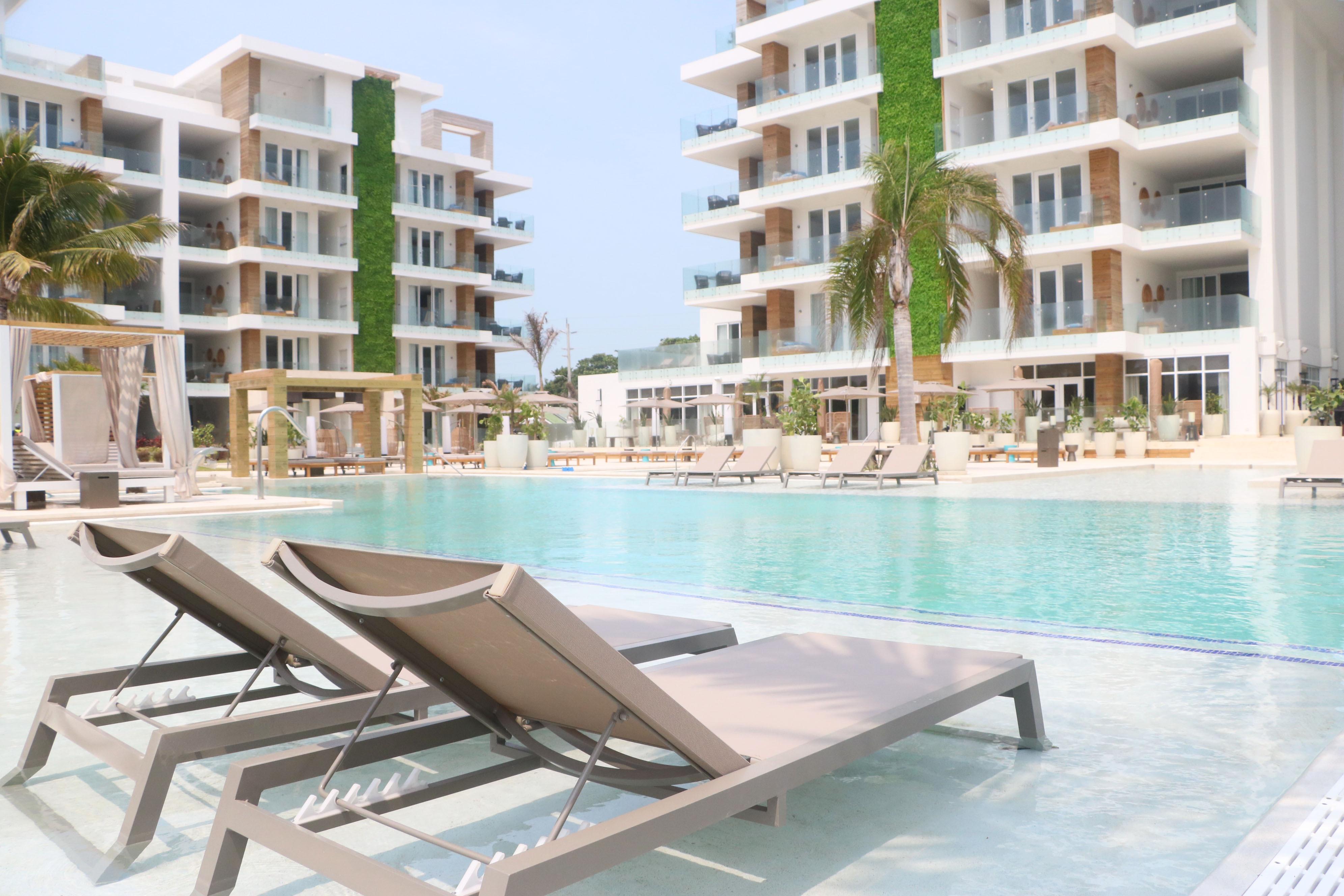 Terrace Pool Vista - Alaia Belize.jpg