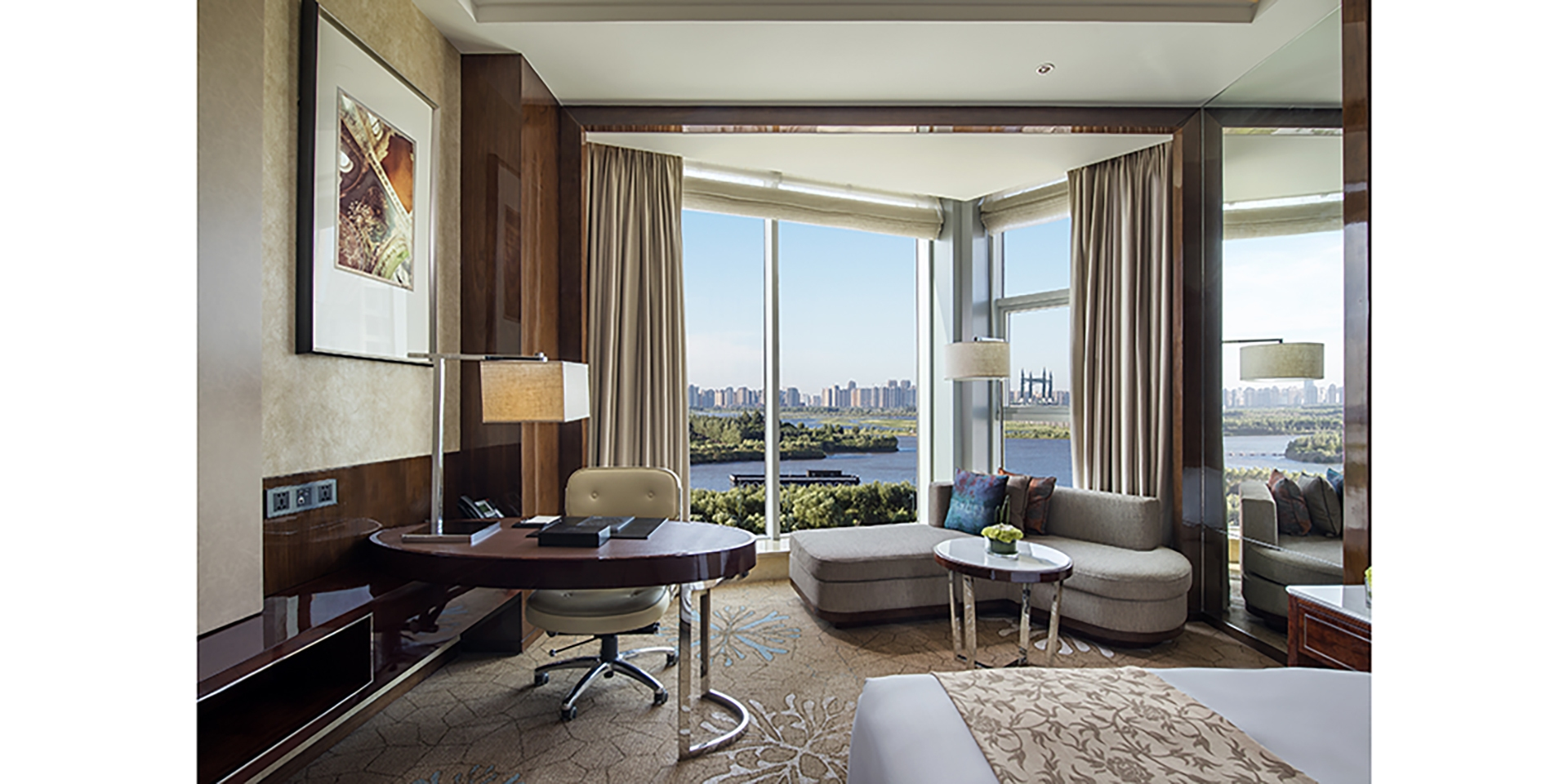 Executive River View King Room content image
