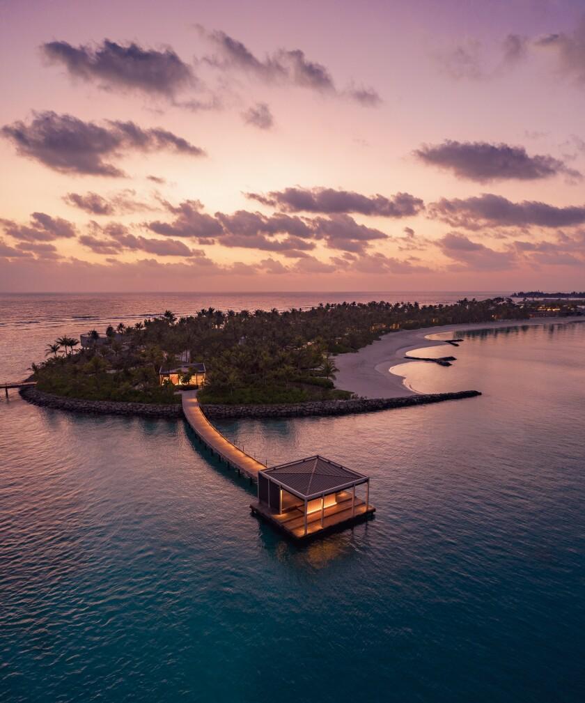 The Ritz-Carlton Maldives, Fari Islands - Arrival Pontoon