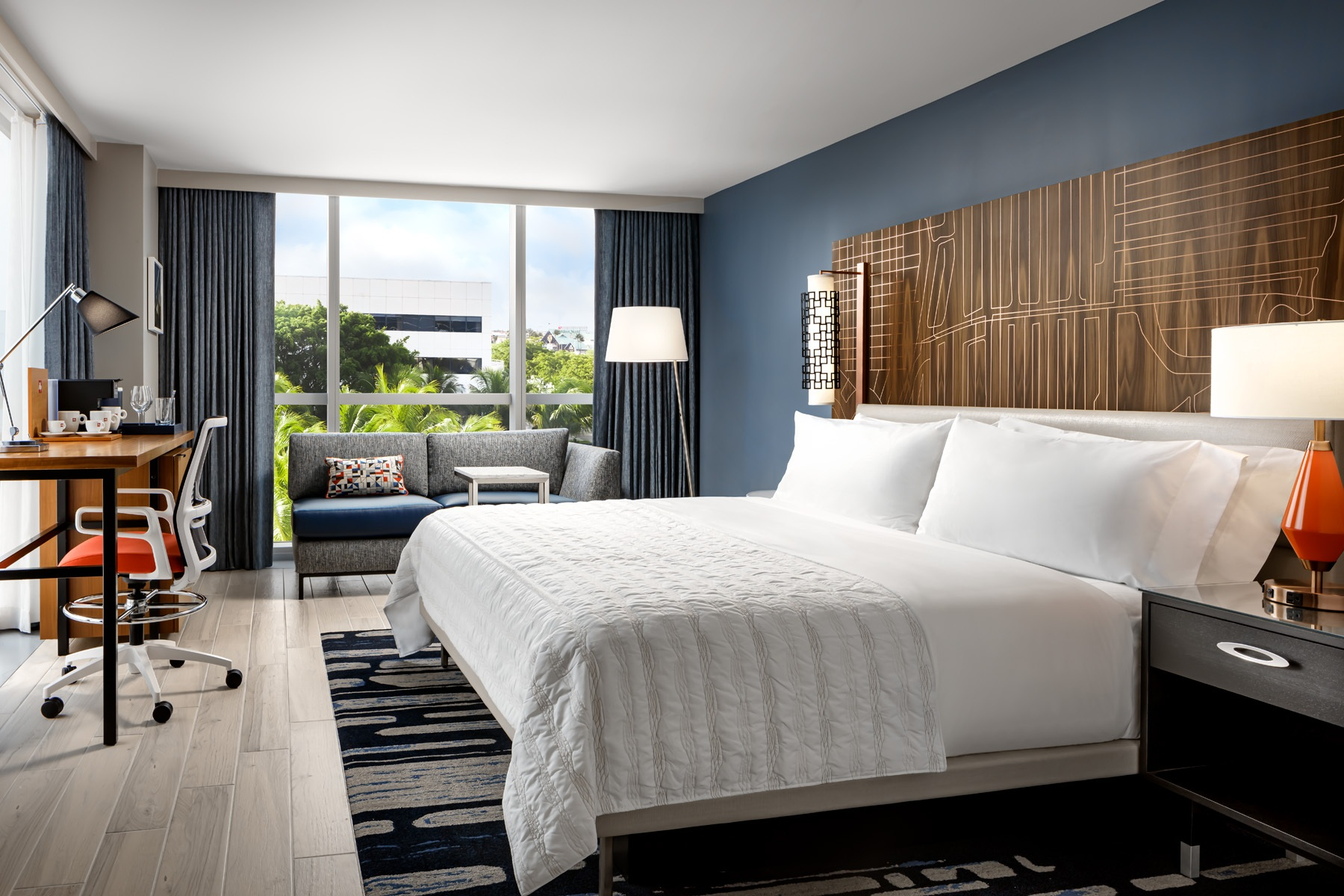 Guestroom -  KING.DKNG Classic and Deluxe_.jpg