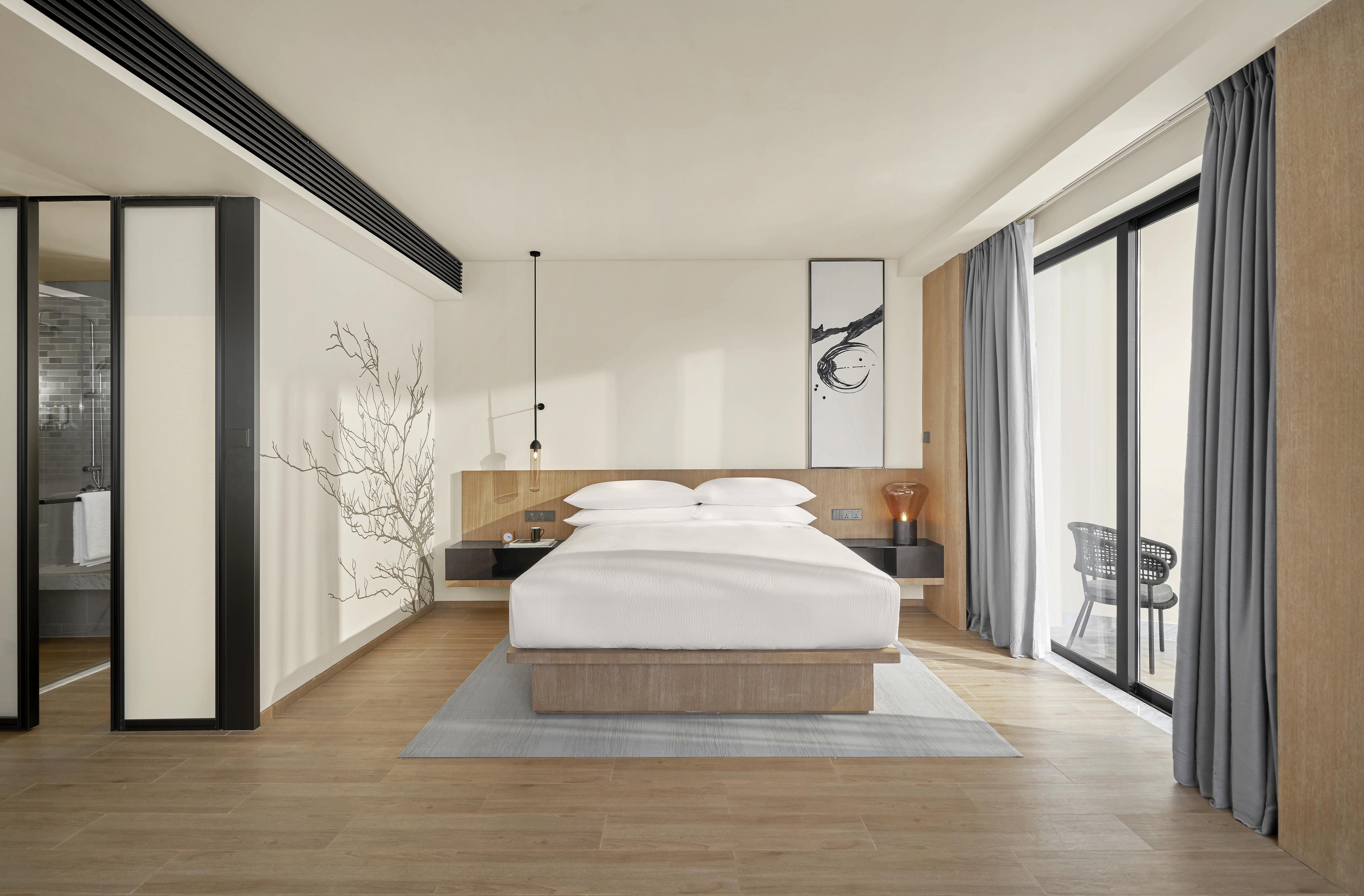 Deluxe room 3.jpg